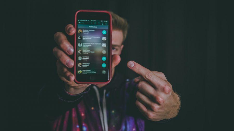 es bueno usar el celular en el gimnasio